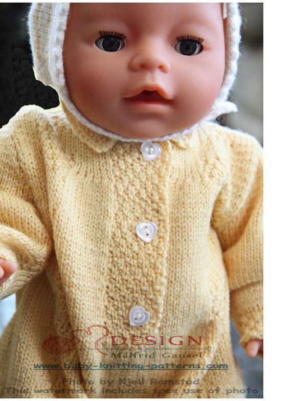 Online Knitting Patterns For Babies : For the dolls, I knitted this pattern in yellow and white ...